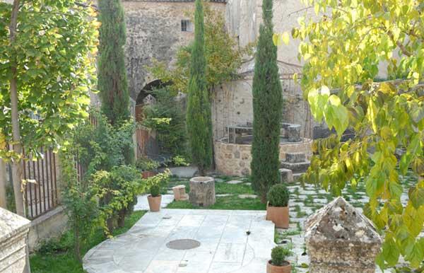 jardin-de-la-senora-en-el-palacio-de-sepulveda