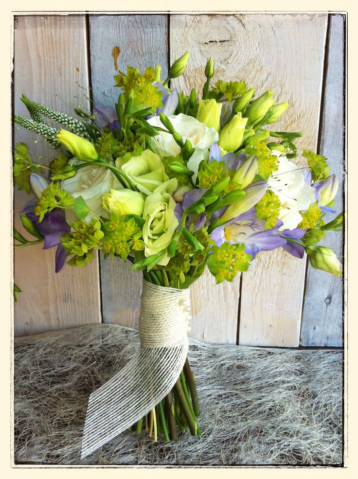 Ramo de novia, lisianthus relizado por Mar de Flores. jpg